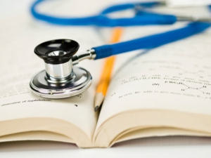 medical_education_-_steth_with_book